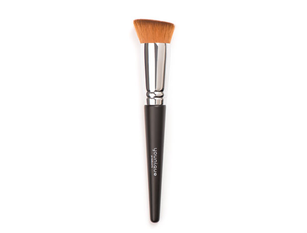 Liquid-Foundation-Brush